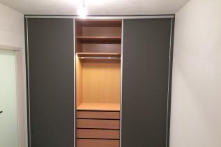 skrine 2